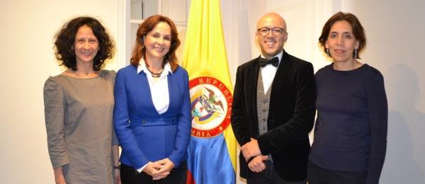 El Consulado de Colombia en París llevó a cabo la Conferencia sobre 'Prevención de la Depresión'